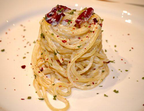 Spaghetti aglio olio peperoncino e ricotta