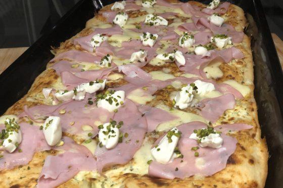 Pizza in teglia alta e soffice, veloce con 80 % idratazione