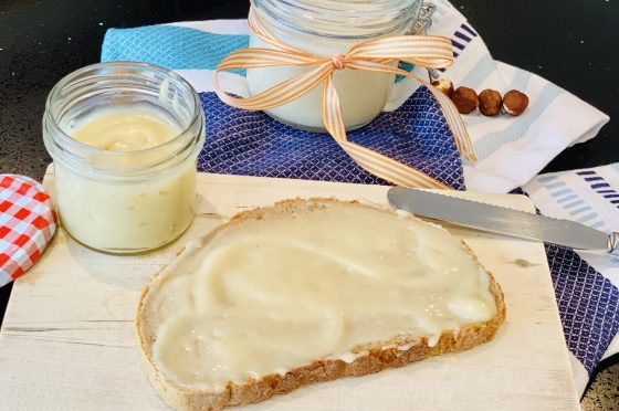 Crema Spalmabile BIANCA alle nocciole con Mambo cecotec