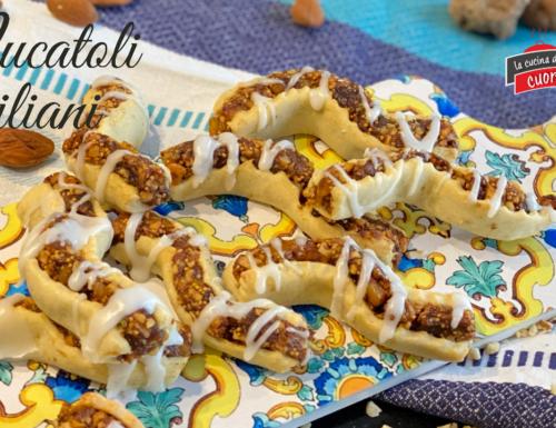 Nucatoli Siciliani, biscotti della tradizione Siciliana per le feste dei Morti e Natale